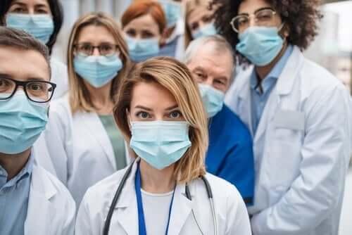 Благодарствено писмо до лекарите
