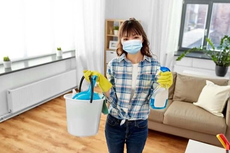 Коронавирус: Препоръки за почистване и дезинфектиране на дома