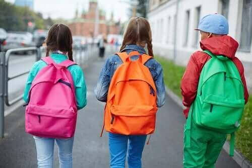 Избирайте правилно раницата на детето си.