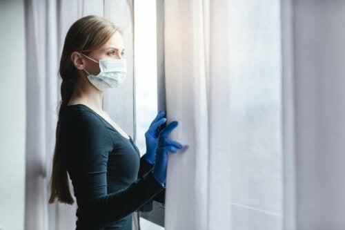Целта на социалното дистанциране е ограничаване разпространението на коронавируса.