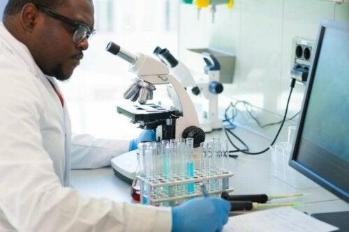 Лабораторни тестове за откриване на коронавируса