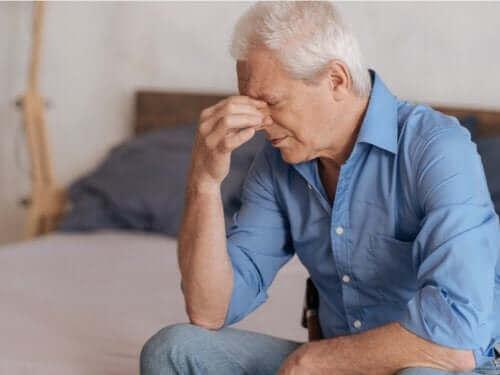 Превъзмогването на смъртта: снимка на страдащ мъж