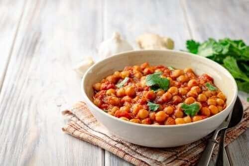 Как да приготвите вкусен нахут с къри