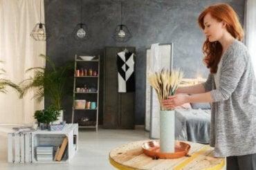 С рециклирани материали: 5 идеи за декорации на всекидневна стая