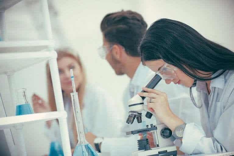 Витамини и мелатонин за борбата срещу коронавируса