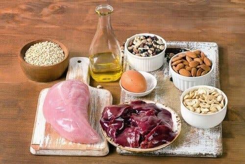 Допълващи лечения за хипотиреоидизъм: различни видове сурови храни, съдържащи селен