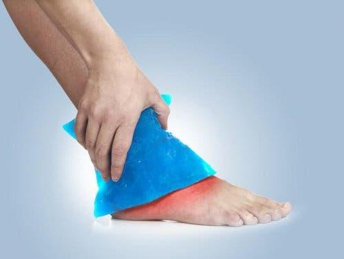 Възстановяване от мускулна травма: използване на лед