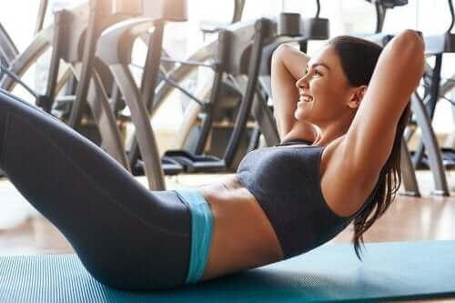 Упражнения за корема без да си наранявате гърба