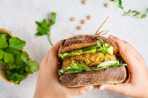 Вегетариански бургери: две бързи и лесни рецепти