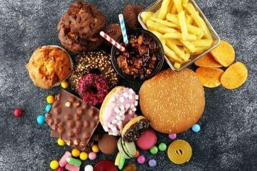 Снимка на вредни храни