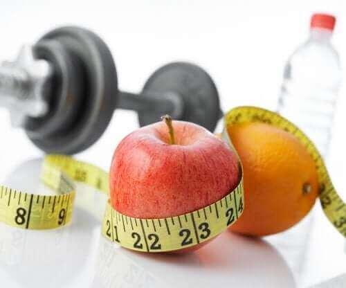 Здравословни храни: ябълка и портокал