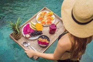 Бъдете във форма през лятото с тези хранителни навици