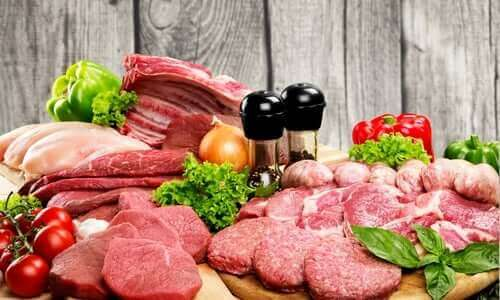 Намалете консумацията на месо: различни видове месо на маса