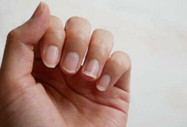 Четири натурални решения при тънки нокти