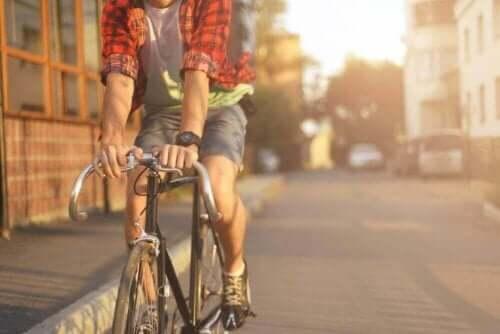 Карането на колело е полезно за здравето.