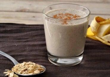 Овесената каша за закуска: предимства и ползи за здравето