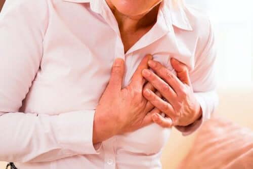 Необичайни симптоми на сърдечен удар при жените