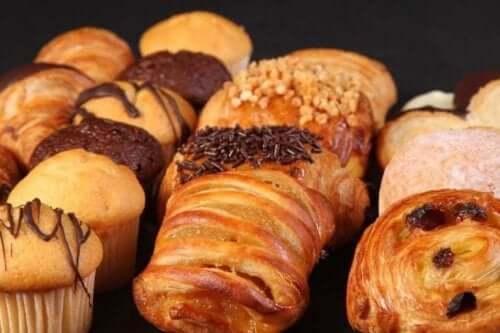 Хидрогенираните мазнини се съдържат в почти всички готови храни.