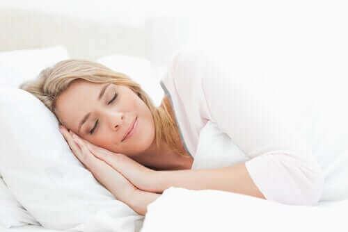 Снимка на спяща жена