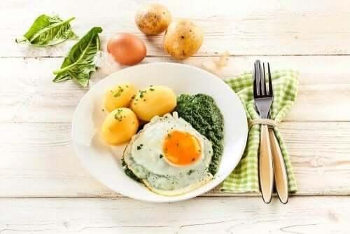 Диетични храни на една маса