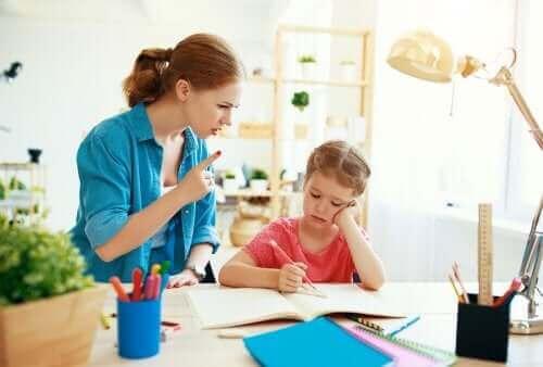 Поставянето на граници при децата е признак за любов