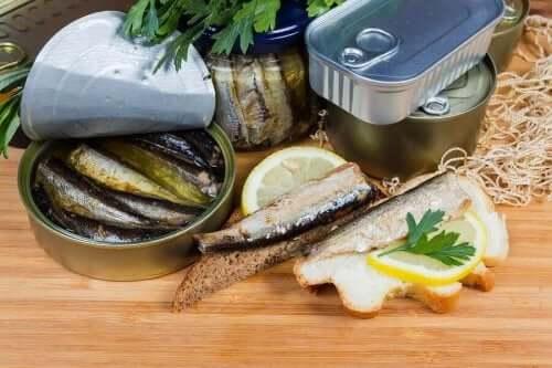Полезна ли е за здравето течността в консервите с храна?