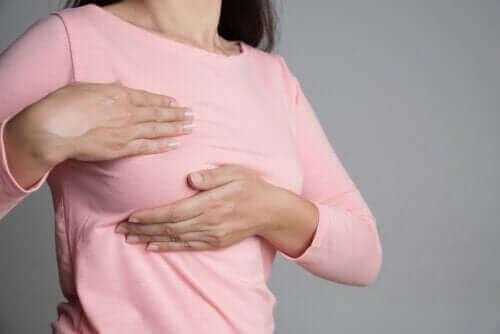 Болката в гърдите и менструалния цикъл
