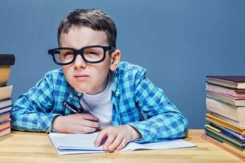 Проблемите със зрението могат да се дължат и на астигматизма при децата.