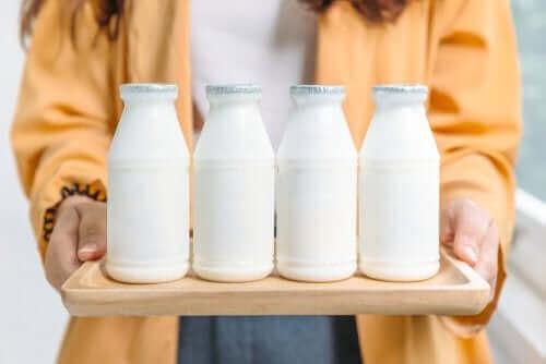Кои са по-добри: Пълномаслените или нискомаслените млечни продукти?