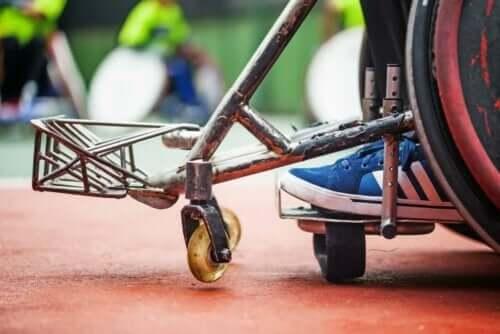 Видове полиомиелит и парализа