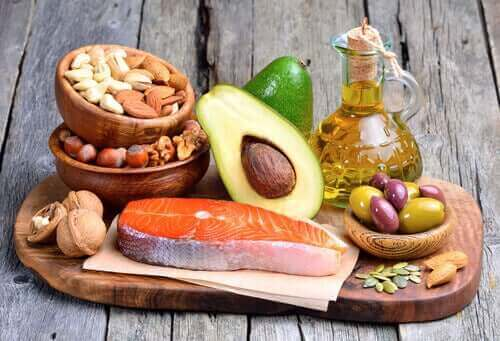 Храни със здравословни мазнини