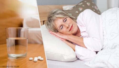 Жена и хапчета за сън