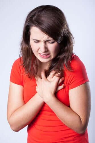 Научете всичко за болката в гръдния кош