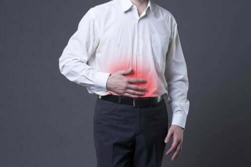 Мъж с болен стомах