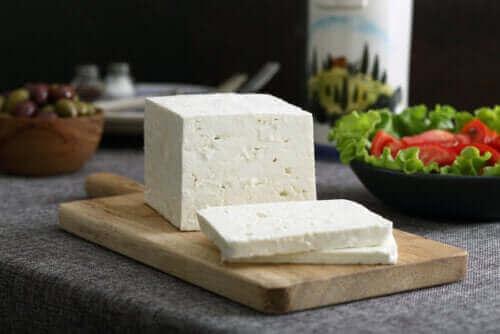 Всичко, което трябва да знаете за сиренето Фета