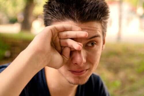 Кои са причините за появата на воднисти очи?