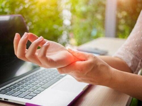Предотвратяването на артрита на ръцете: 5 ефикасни съвета