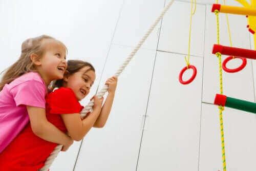 Кросфит упражнения за деца: какви са ползите от тях
