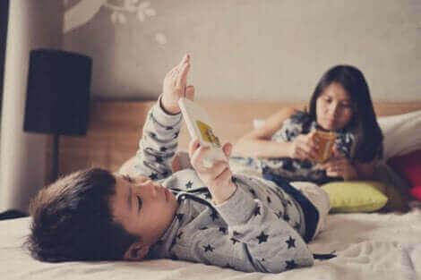 Дългото екранно облъчване и здравето на децата