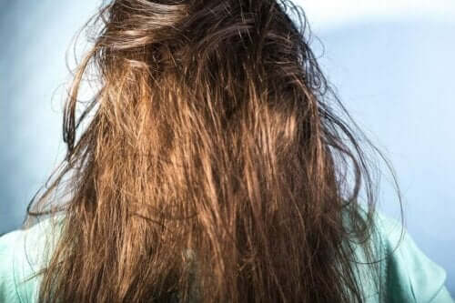 Полезни съвети за измиване на мазната коса